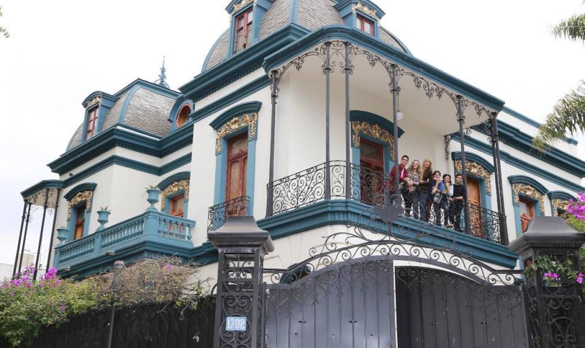 Terror en puebla la casa de los enanos abre sus puertas for Casa mansion puebla