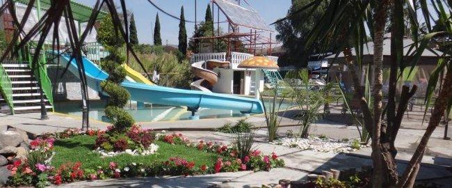 Resultado de imagen para Parque Acuático Villa Krystal Green